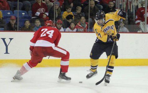 Men's ice hockey team defeats Cornell 5-2 to take series lead