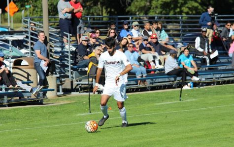 Whelan scores two penalty kick goals, maintains MAAC lead