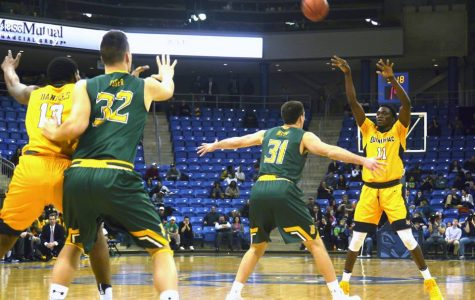 Quinnipiac men's basketball falls short against Siena
