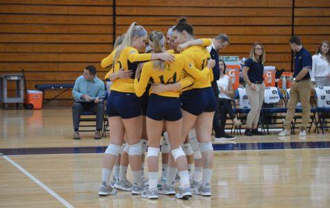 Volleyball extends winning streak against Rider, 3-1