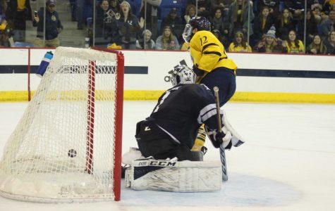 Men's hockey tops rival Yale 3-0, earns first weekend sweep of season