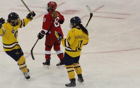 Women's hockey defeats RPI, 2-1