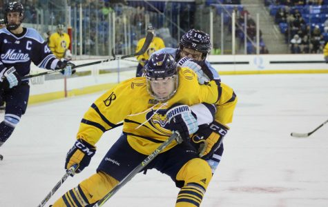 Men's hockey loses two in a row, falls to Maine 5-3