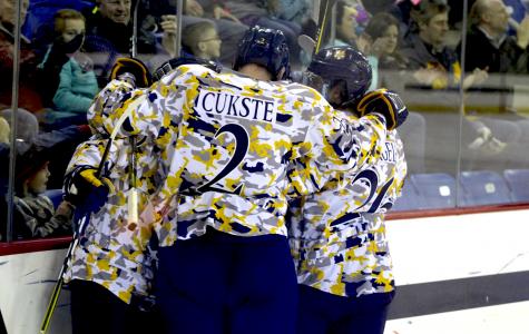 Men's hockey takes down No. 3 Clarkson, 4-1