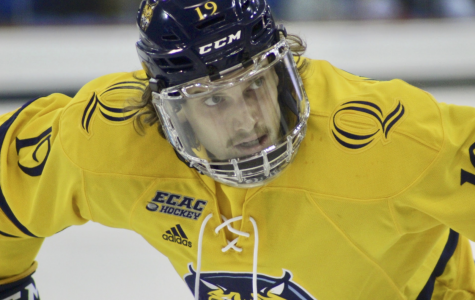 Utica Comets sign former Quinnipiac men's hockey forward Tanner Macmaster