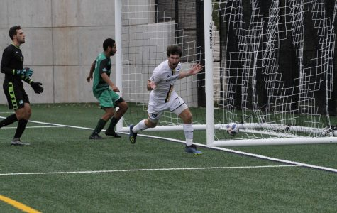 Men's Soccer Tops Manhattan to Win Fifth Straight