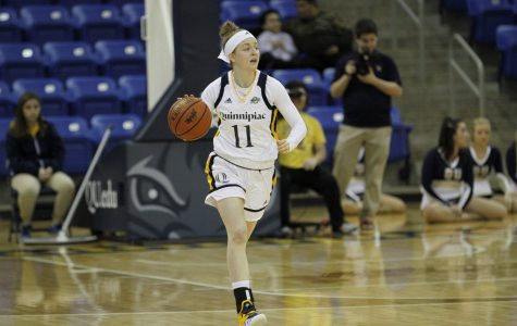 Women's Basketball Stays Undefeated, Beats Rider 72-56
