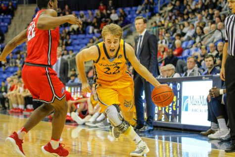 Men's Basketball Looks to Stay Hot From Deep Against Saint Peter's