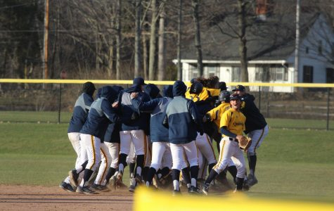 Quinnipiac avoids sweep with walk-off win