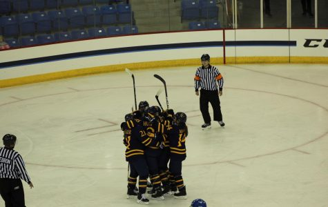 Quinnipiac Women's Ice Hockey Dominates Ryerson 5-1 in Exhibition Opener
