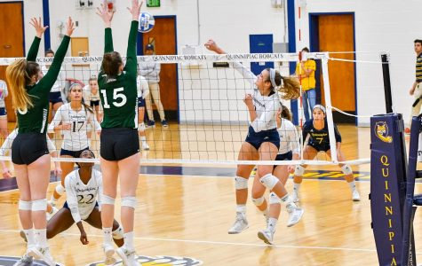 Quinnipiac Volleyball Falls to Manhattan in Five Sets on Sunday