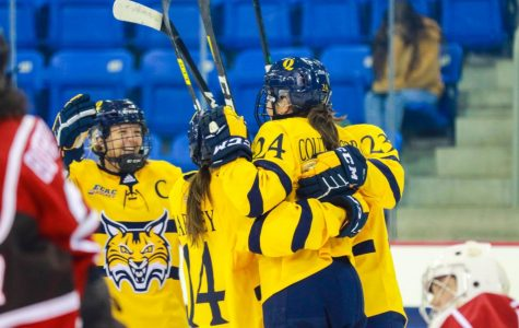Quinnipiac Women's Ice Hockey Takes Nutmeg Classic Win