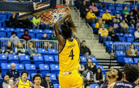 Men's Basketball dominates Rider, 80-61