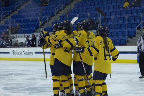 Quinnipiac celebrates Senior Night with 9-1 destruction of Brown