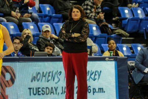 Quinnipiac women's basketball drops Thursday night battle with Rider